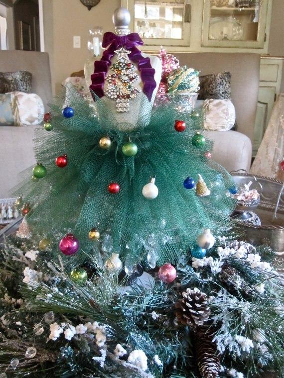 Arbolito de navidad hecho con mini maniquí
