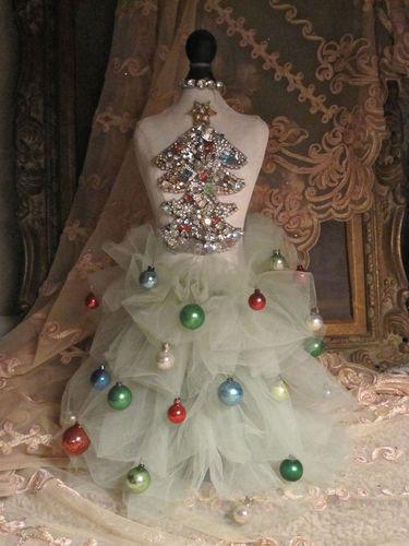 arbolito-de-navidad-hecho-con-maniqui03